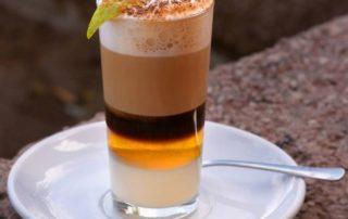 Radi-by-ste-ochutnali-zchute-Kanárskych-ostrovov-Barraquito-káva zTenerife